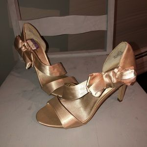 Lulu Townsend heels- new with tags